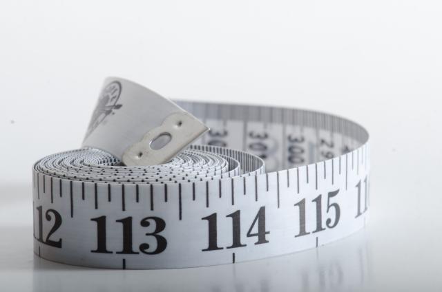 メルカリ mercari フリアマプリ 洋服 ファッション スマホ 服 売る 出品 サイズ 採寸 メジャー